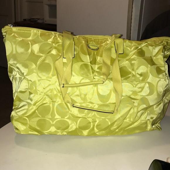 9776a54110 Coach Handbags - Coach Weekender Set💥💥sake